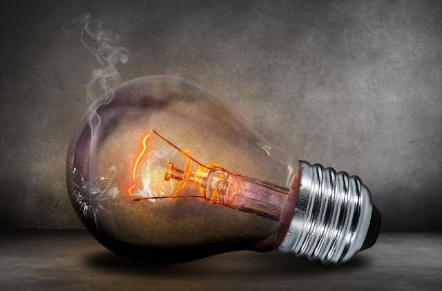 358dc-light-bulb-503881_1920